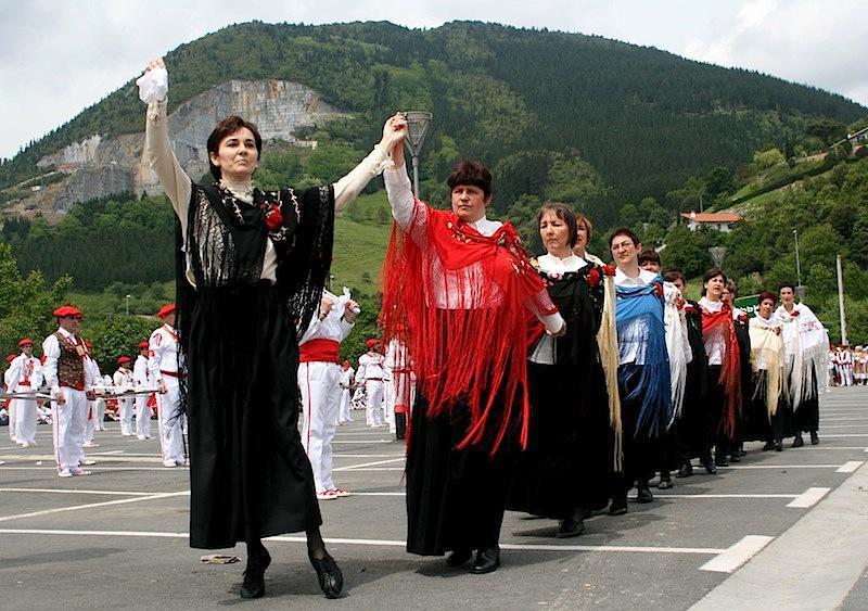 Dantzariak, 2008an Markina-Xemeinen ospatu zen Bizkaiko Dantzari Egunean. Argazkia: Txebi Arriaga