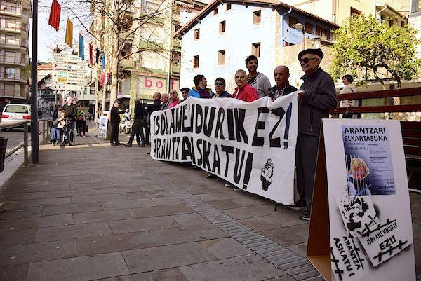Arantza Zuluetaren aldeko mobilizazio bat Lekeition