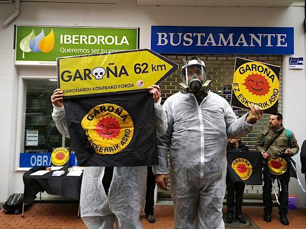 Garona zabaltzearen aurka egindako protesta bat