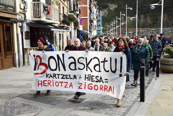 Ibon Iparragirreren aldeko manifestazio bat Ondarroan