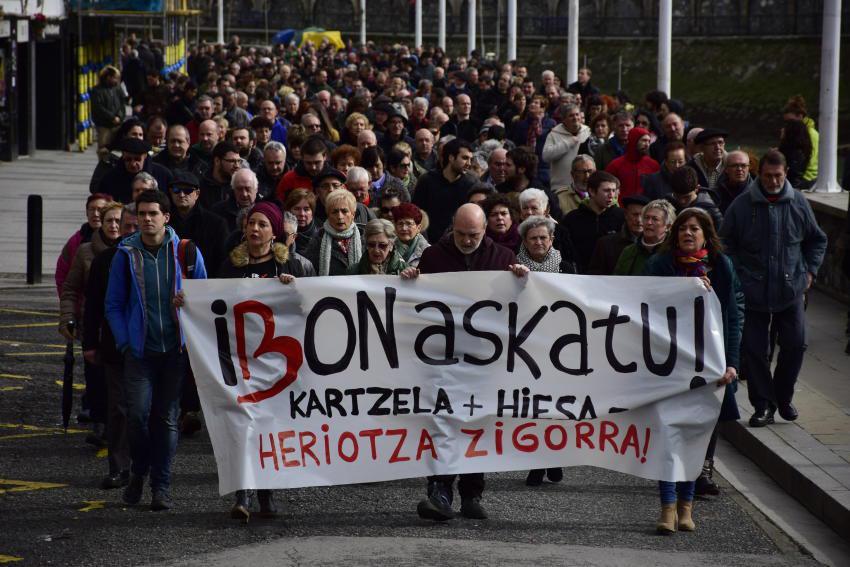 Ibon Iparragirreren aldeko manifestazioa Ondarroan. Argazkia: Nerea Bedialauneta