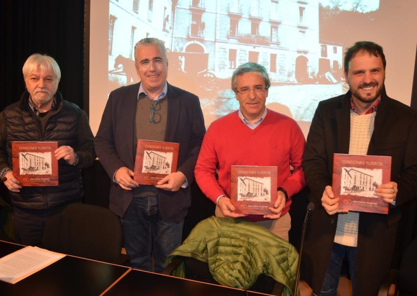 Yurrita Group liburu aurkezpen Kirmen Uribe