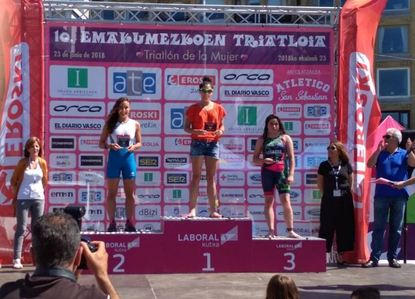 Donostiako Emakumezkoen Triatoiko podiuma