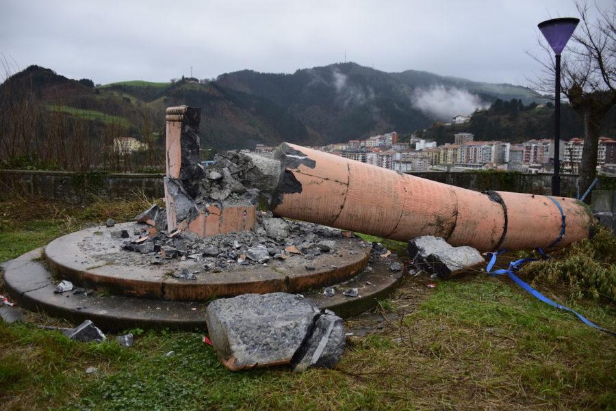 Monumentu frankista ondarroa