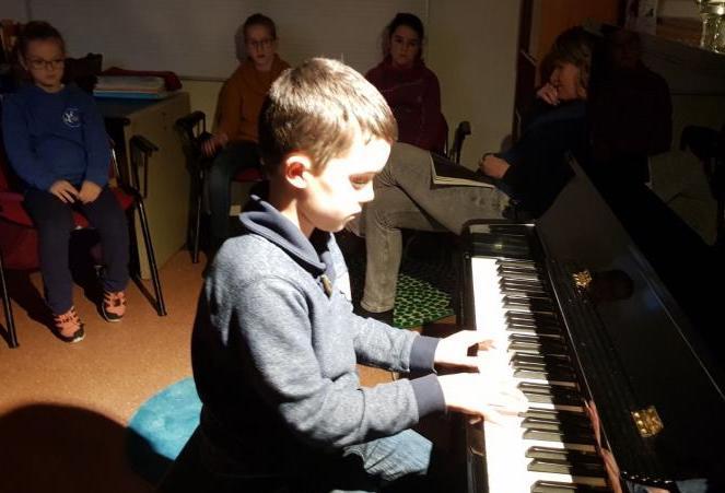 Tarineko ikasle bat, iazko I. Piano Entzunaldian. Argazkia: Tarine