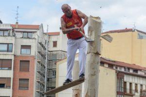 Fausto Mugertza, zapatuan, aizkoran. Argazkia: Basque Sports
