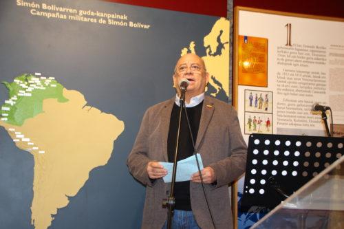 Mario Isea Venezuelako enbaxadorea.